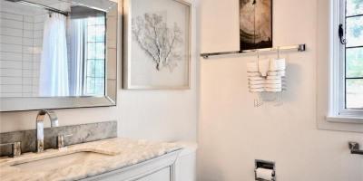 1682-beach-drive-bathroom-1-upper