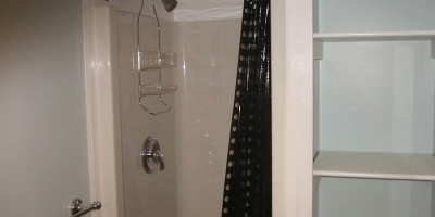 7-l-shower-closet