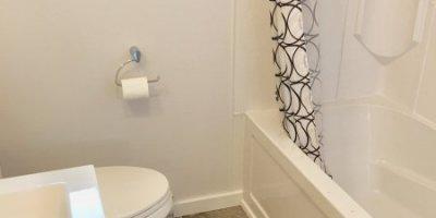 ashton-bathroom