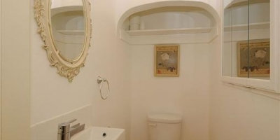 entry-powder-room