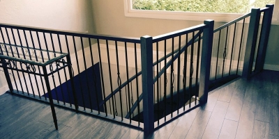 Stairs-with-top-railing_800