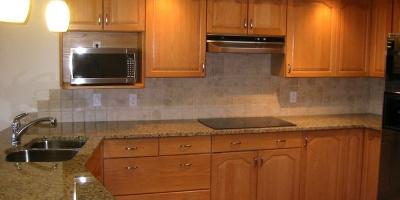 2-j-kitchen-wide-7043